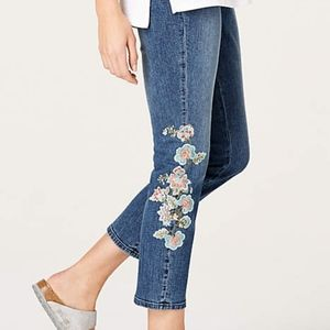 Authentic Fit Embroidered-Flowers Cropped Jeans